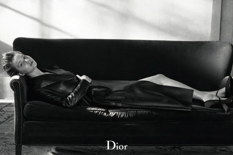 800x534xdior-mag-jennifer-lawrence3-800x534.jpg.pagespeed.ic.pXSFeIjYA6