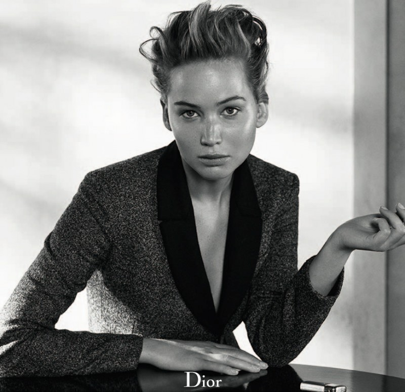 800x774xdior-mag-jennifer-lawrence5-800x774.jpg.pagespeed.ic.5xy3UH2gbq