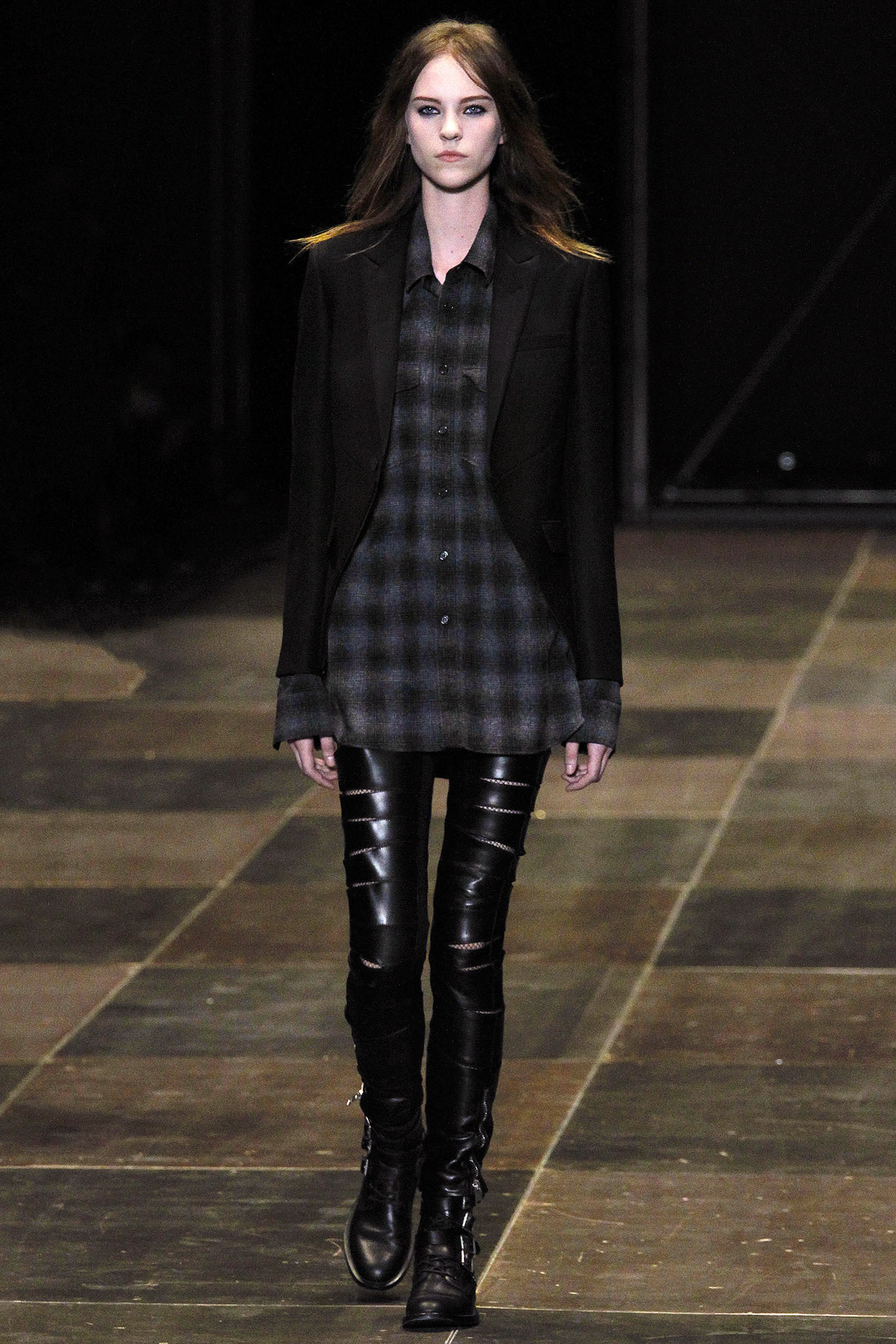 Saint-Laurent-Fall-Winter-2013-2014-Runway-Show-2